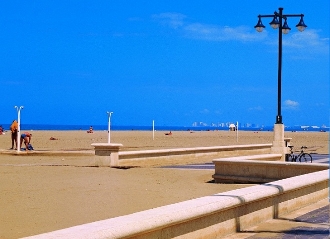 La playa de malvarrosa en valencia - Hoteles en la playa de la malvarrosa ...