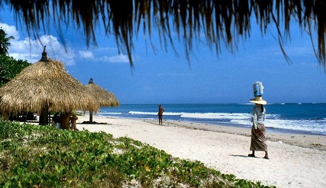 playa-de-kuta-en-bali2.jpg