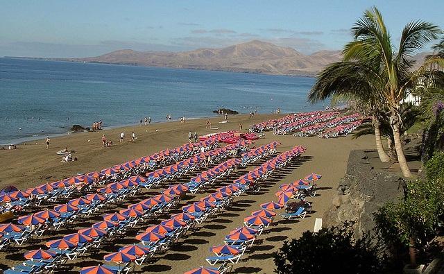 Te Quiero Arena De Playa A Orillas Del Mar Fotos De: Playas De Puerto Del Carmen En Lanzarote