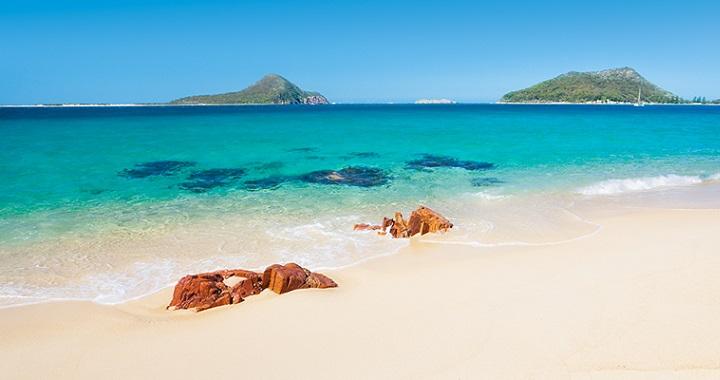 Playa-Shoal-Bay.jpg