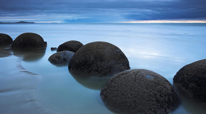 La playa más sorprendente y misteriosa de Nueva Zelanda