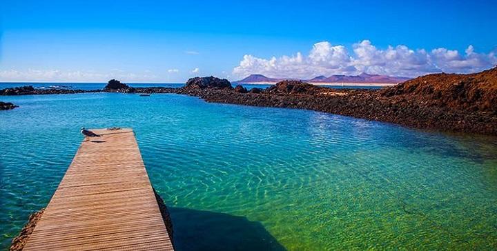El puertito una piscina natural en fuerteventura for Piscinas naturales yaiza lanzarote