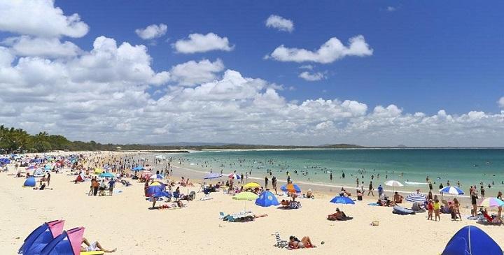 Noosa Main Beach Australia1