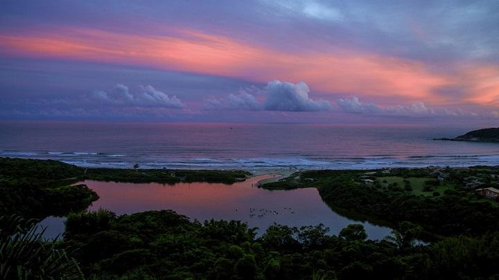 Praia do Rosa Brasil1
