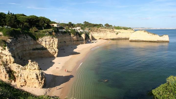 Praia de Cova Redonda Portugal1