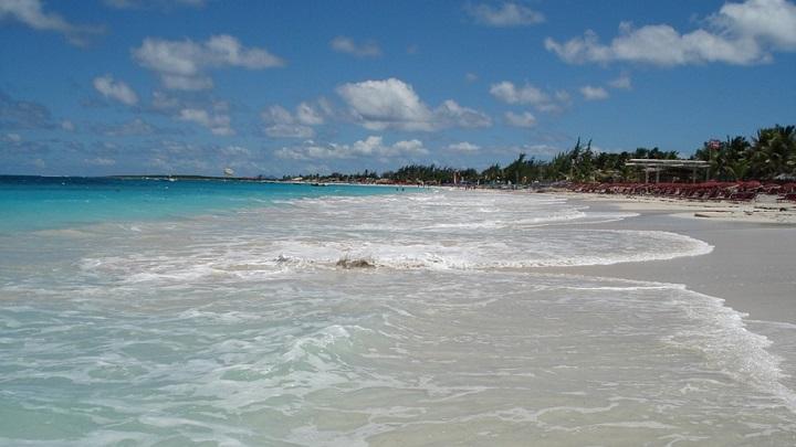 Orient Bay Beach Isla de San Martin