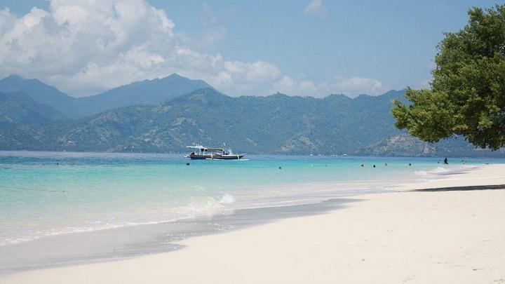 gili-meno-beach-foto1