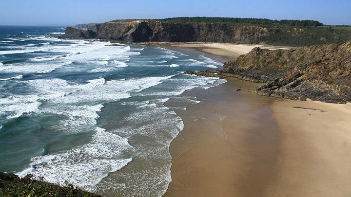 Praia-das-Adegas1