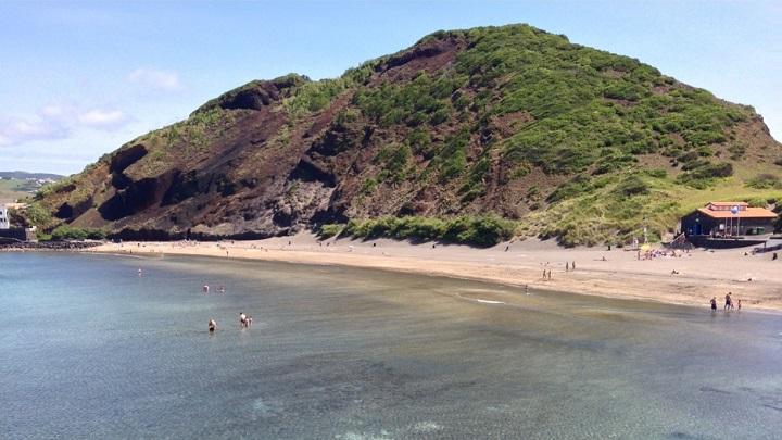 Praia-do-Porto-Pim