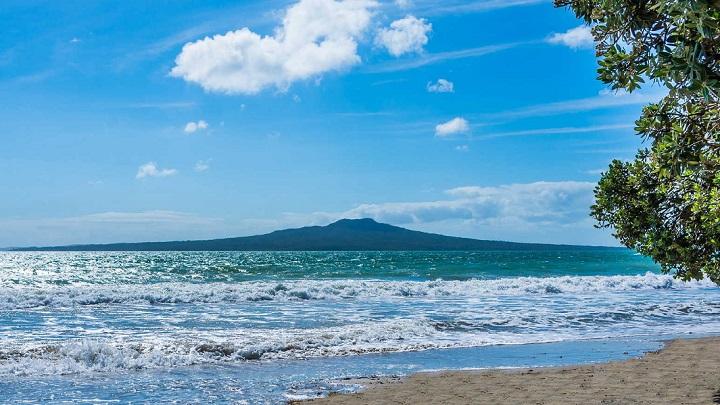Takapuna-Beach-foto