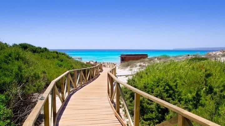 acceso-playa-Es-Migjorn