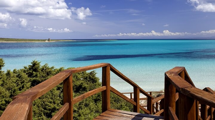 cerdena-playa-aguas-turquesa