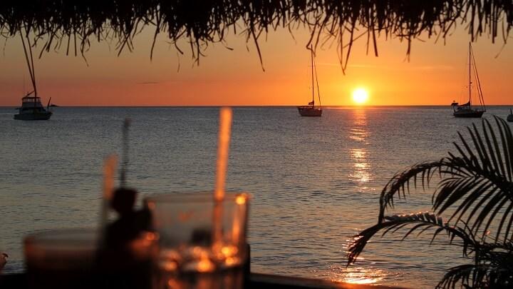 Reduit-Beach-puesta-de-sol