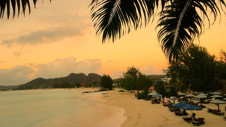 playa-Turner-Antigua-puesta-de-sol