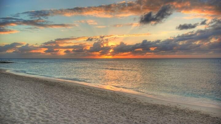 playa-siete-millas-puesta-de-sol