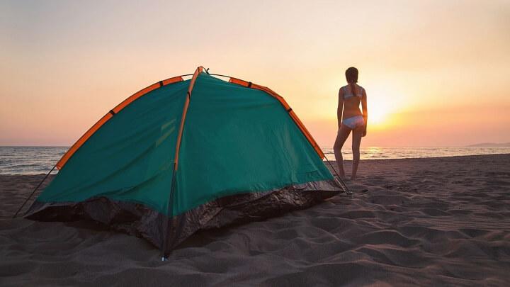 acampada-en-la-playa