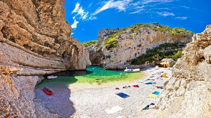 playa-Croacia-Stiniva